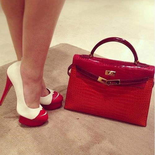 bag and shoes of the same color